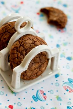 Outrageous Chocolate Cookies — these are really good! recipe by Martha Stewart, photo by Constança Cabral @ Saídos da Concha