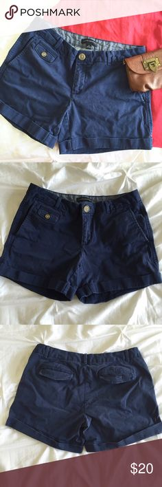 """Banana navy chino shorts. Navy roll up shorts from Banana Republic.  Relaxed soft wash and comfortable hand feel.  Workable front and back pockets.  Gently loved, these are the best shorts!  So comfy and cute for summer!  Sadly these no longer fit.  Approximately 11.5"""" from waist to rolled hem, 4"""" inseam.  Size 4. Banana Republic Shorts"""