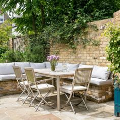 Gorgeous Patio Garden Furniture Ideas, Decide where you want your patio. It's a remarkable method to improve your patio. The outdoor patio is a well-known place to unwind and take pleasure . Design Patio, Garden Design, Container Food, Garden Table And Chairs, Garden Chair Cushions, Small Space Gardening, Balcony Gardening, Garden Pictures, Garden Cottage