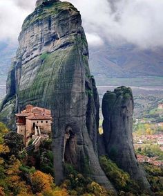 Cliffs Meteora Greece
