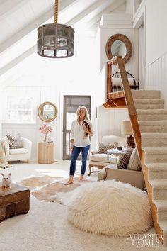 Creative Tonic loves Lake Burton Bliss via Atlanta Homes & Lifestyles Rug Over Carpet, Sweet Home, Atlanta Homes, Piece A Vivre, Interior Exterior, Living Room Inspiration, My Dream Home, Architecture, House Tours