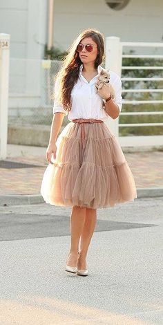 Jupon en tulle : Tutus for grownups? Yes, please!me/…… nice Jupon en tulle : Tutus for grownups? Yes, please! Mode Outfits, Skirt Outfits, Dress Skirt, Dress Up, Fashion Outfits, Womens Fashion, Midi Skirt, Mode Lookbook, Shower Outfits
