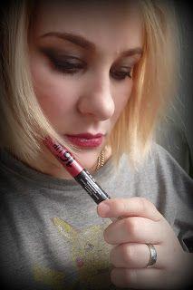 KarolínaB: Dermacol Longlasting Lip Colour (Dlouhotrvající ba...