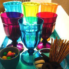 Las reuniones se hacen menos duras con un toque de color y sabor #LoftNM #ilovemyjob #NuriaMarchComunicacion #office