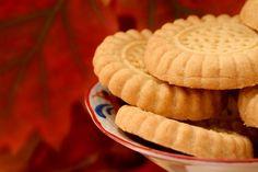 Ricetta biscotti senza glutine - La ricetta per preparare in modo semplice tanti deliziosi biscotti senza glutine, l'ideale per la colazione o uno spuntino.