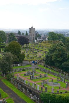 Stirling is a small town 30 minutes from Glasgow. For the perfect day trip, there are a few things you must do while in visiting. Scotland Culture, Scotland Map, Scotland Castles, Glasgow Scotland, Scotland Travel, Scotland Food, Scotland Funny, Inverness Scotland, Scotland History