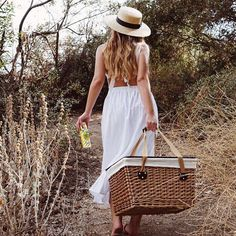 Cute dresses pulled out of storage ✔️  Sun hats lined up and ready to go ✔️  Picnic basket packed ✔️  Spring is here! Are you ready? :@drinklemonlemon   Featuring #TheCanastaBasket