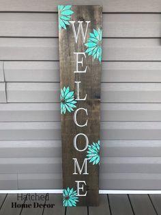 Outdoor Welcome Sign, Welcome Signs Front Door, Wooden Welcome Signs, Front Porch Signs, Diy Wood Signs, Outdoor Signs, Welcome Boards, Diy Porch, Spring Sign