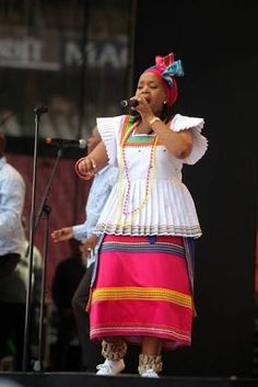 South african traditional outfits for weddings 2017 - Fashionstyle. Traditional Dresses Images, Sotho Traditional Dresses, Pedi Traditional Attire, African Traditional Wedding Dress, African Fashion Traditional, Traditional Outfits, Traditional Decor, African Wedding Attire, African Attire