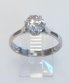Catawiki Online-Auktionshaus: Weißgoldener Solitärring mit einem Diamanten im Brillantschliff von 1,10, ct.