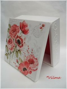 . Decoupage Tutorial, Decoupage Box, Diy Wood Projects, Projects To Try, Altered Boxes, Pretty Box, Jewellery Boxes, Diy Storage, Trinket Boxes