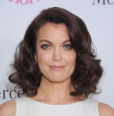 The 20 Hottest Medium Length Hairstyles: Bellamy Young's Wavy Shoulder Length Hair