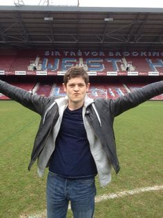 """ RT @TonyGrounds: The brilliant @iwanrheon scores for Newport. """