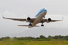 Flujo enero-octubre en aeropuertos superó los 11.5 millones de ... - El Caribe