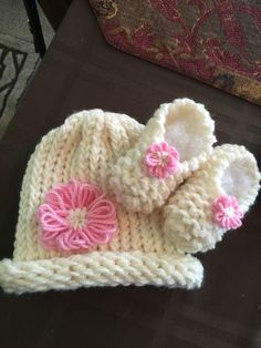 Baby hat and booties made on knitting loom