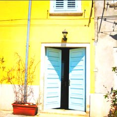 Pretty blue and yellow apartment in Rovinj, Croatia