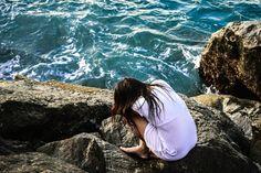 Autoretrato frente al mar #selfportrait #ocean #sadness #anxiety #tristeza #ansiedad #espiritualidad #spiritual #espiritualidad #autoretrato #photography #elimagination