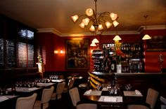 Iannello Restaurant  - boulevard Exelmans, Paris - Decorated in a colonial style, with oak floors, wooden blinds and ceiling fans, it offers traditional Italian cuisine as well as daily market suggestions