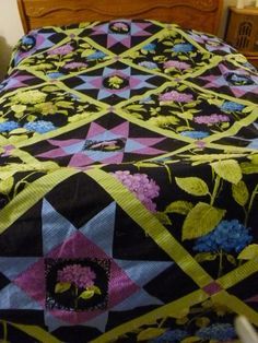 QUILTKING SIZE Hydrangra Flowers are the by DonnaleesTreasures, $899.00