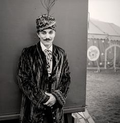 Circus performer. Photo: Andrew Shaylor
