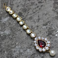 DAKSHA MAANG TIKKA available at Indiatrend for $11.99USD Shop with us at www.indiatrendsho... #bride #mughal #earrings #necklace #shopnow #jewels #bollywood #indiatrend
