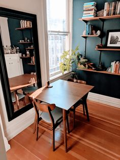 A Tiny San Francisco Studio Apartment Tour Eclectic Living Room, Living Room Green, Living Room Colors, Living Room Photos, Living Spaces, San Francisco Apartment, Modern Side Table, Small Apartment Decorating, Small Apartments
