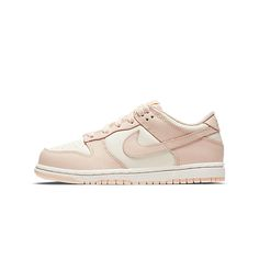 I Love My Shoes, Pretty Shoes, Nike Shoes, Shoes Sneakers, Baby Crib, Dunk Low, Nike Dunks, Infants, Girls Shoes