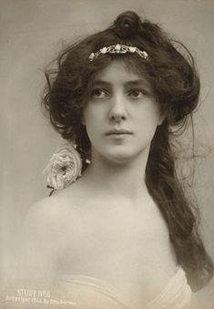 Evelyn Nesbit by Otto Sarony, ca.1902