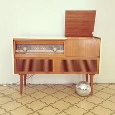 Motorola 1960 Tube Amp Record Player Console Vintage