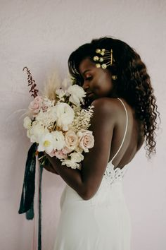 We have checked in with 10 recently married South African brides so you could have an easier time planning YOUR wedding. So from one bride to another, here are the things you must read as they shell out their best wedding day tips! Wedding Trends, Wedding Tips, Wedding Styles, Wedding Planning, Dream Wedding, Wedding Day, Wedding Photos, Bridal Beauty, Bridal Hair