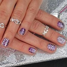 This is how I want to wear my Geo Diamond!! Love it, @wendyhoch . #geodiamondjn #fizzygrapejn #violetjn #grapevinejn