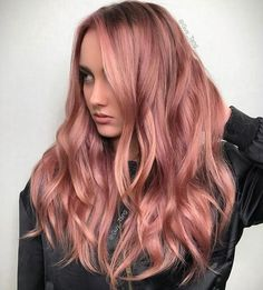 Wavy rose gold hair