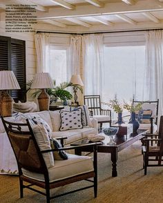 I have always loved Atlanta interior designer Jacquelynne aka Jackye Lanham's style.  I love her use of fine antiques mixed with casual fabr... West Indies Style, British West Indies, West Indies Decor, Beach House Decor, Beach Cottage Style, Home Decor, Florida Home, Florida Living, Living Room Decor