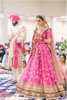 Gorgeous Lehenga Border Ideas That You Need To Bookmark Now Sikh Bride, Sikh Wedding, Punjabi Wedding, Wedding Blog, Saree Wedding, Boho Wedding, Wedding Ideas, Mehendi Outfits, Indian Bridal Outfits