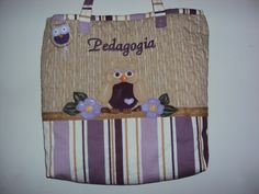 Bolsa em patchwork visite o blog: www.saldaterrapatchwork.bolgspot.com face: Renata Deichsel