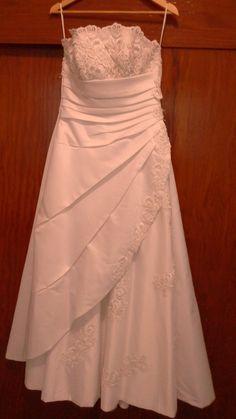 ¡Nuevo vestido publicado!  Andrea Galati - T10-12 ¡por sólo $3000! ¡Ahorra un 68%!   http://www.weddalia.com/mx/tienda-vender-vestido-de-novia/andrea-galati-t10-12/ #VestidosDeNovia vía www.weddalia.com/mx