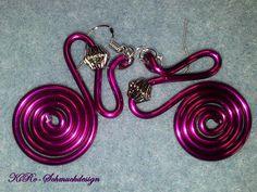Ohrhänger - Knallige Alu-Ohrhänger in Pink - ein Designerstück von KiRoWeb-Schmuckdesign bei DaWanda