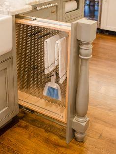 Kitchen Layout Design Ideas | DIY Kitchen Design Ideas - Kitchen Cabinets, Islands, Backsplashes | Column pull out