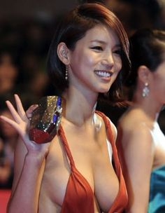oh in hye 16 The Red Dress Found: Oh In Hye (31 Photos)