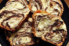 : Cozonac - o bunatate! Cake Recipes, Dessert Recipes, Desserts, Painkiller Recipe, Iron Skillet Recipes, Romanian Food, Romanian Recipes, Looks Yummy, Turkish Recipes