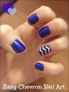 Blue-Nails-With-Golden-Chevron-Nail-Art-Design.jpg (480×640)