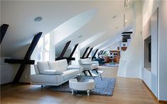 attic room 32 39 Attic Rooms Cleverly Making Use of All Available Space. I love sunny attic spaces with tall ceilings, slanted roofs, and futuristic spaces.