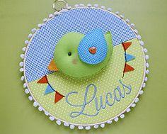 Enfeites do Lucas (Meia Tigela flickr) Tags: baby bird handmade artesanato artesanal craft passarinho pssaro quadro felt beb quarto manual feltro decorao maternidade enfeite bastidor feitoamo