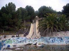 parque acuatico abandonado