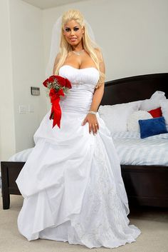 Wedding dresses in Chula Vista