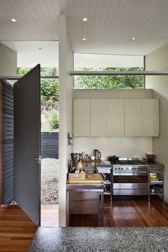 Apple Bay House / Parsonson Architects