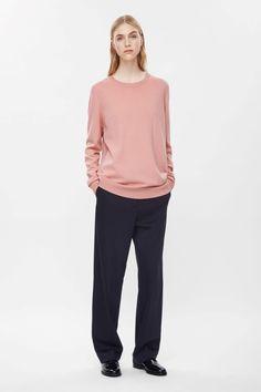 Round-neck knit jump