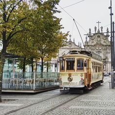 Starting the week slowly  #visitporto #followporto -- A começar a semana devagarinho  #visitporto #followporto  Credits: @lidialvrz #igers_porto #igersportugal #igersopo #igers_opo #ig_travel #travelgram #igers_travel #travel #explore  #traveling #momondo #natgeotravel #viagem #tourism #turismo #visitportugal #travelbloggers #traditional #lonelyplanet #porto #beautifuldestinations #vsco #citybreak  #worldheritage #tram #citylife #monday by visitporto