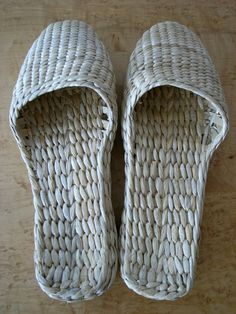 3f7e4e775389e Shoes made from woven cattails! Save the cattails at fall cutback.