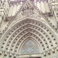 Barcelona Cathedral Gothic Cathedral, Spain Holidays, Romanesque, Modern Architecture, Barcelona Cathedral, Castle, City, Building, Travel